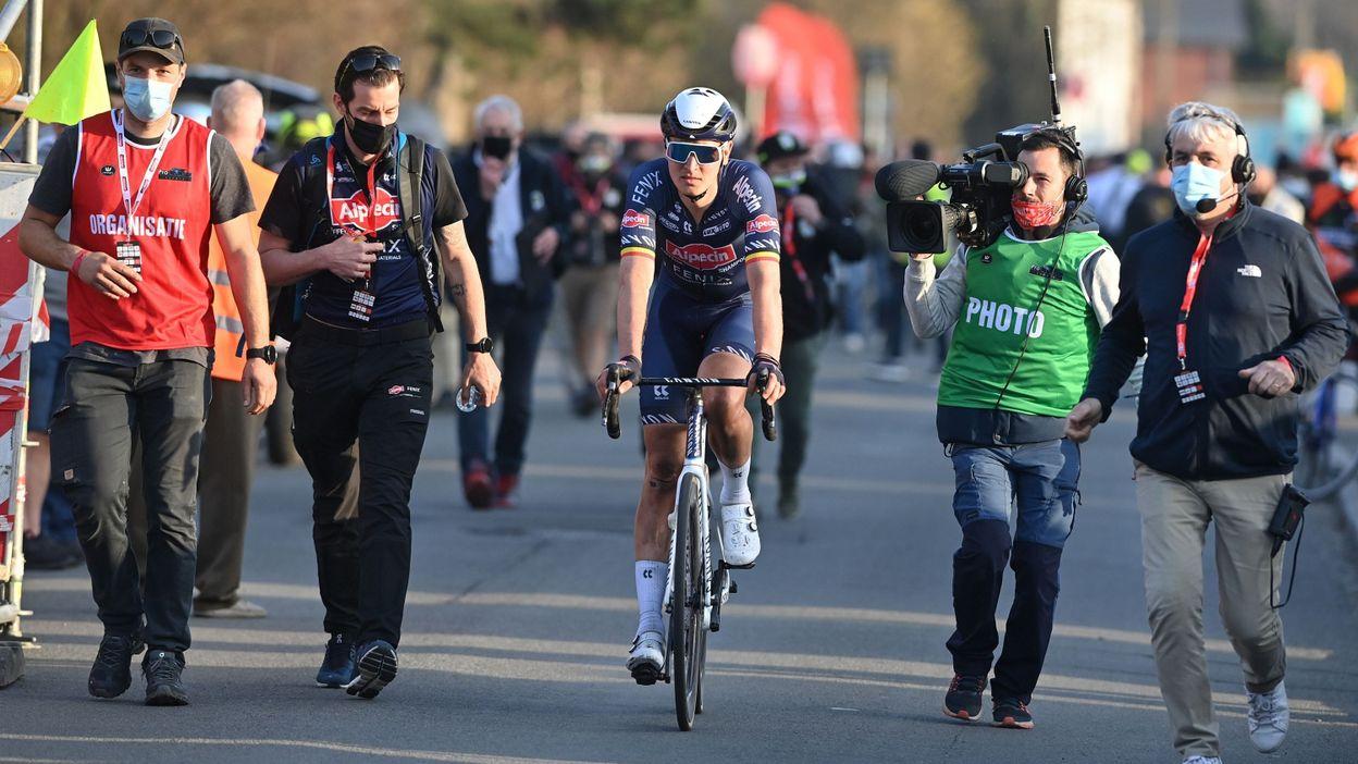 Tim Merlier devance Mark Cavendish à Roulers et s'adjuge le Grand Prix Jean-Pierre Monseré - RTBF