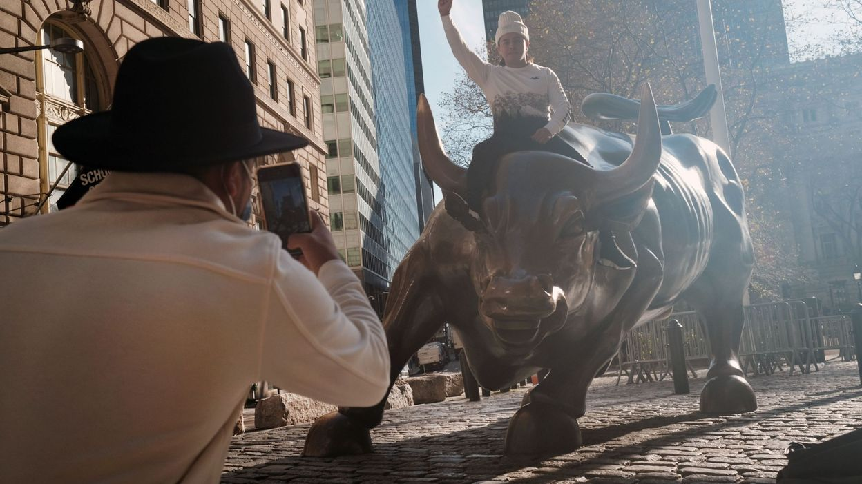 Pourquoi les Bourses vont-elles si bien alors que l'économie va si mal ?