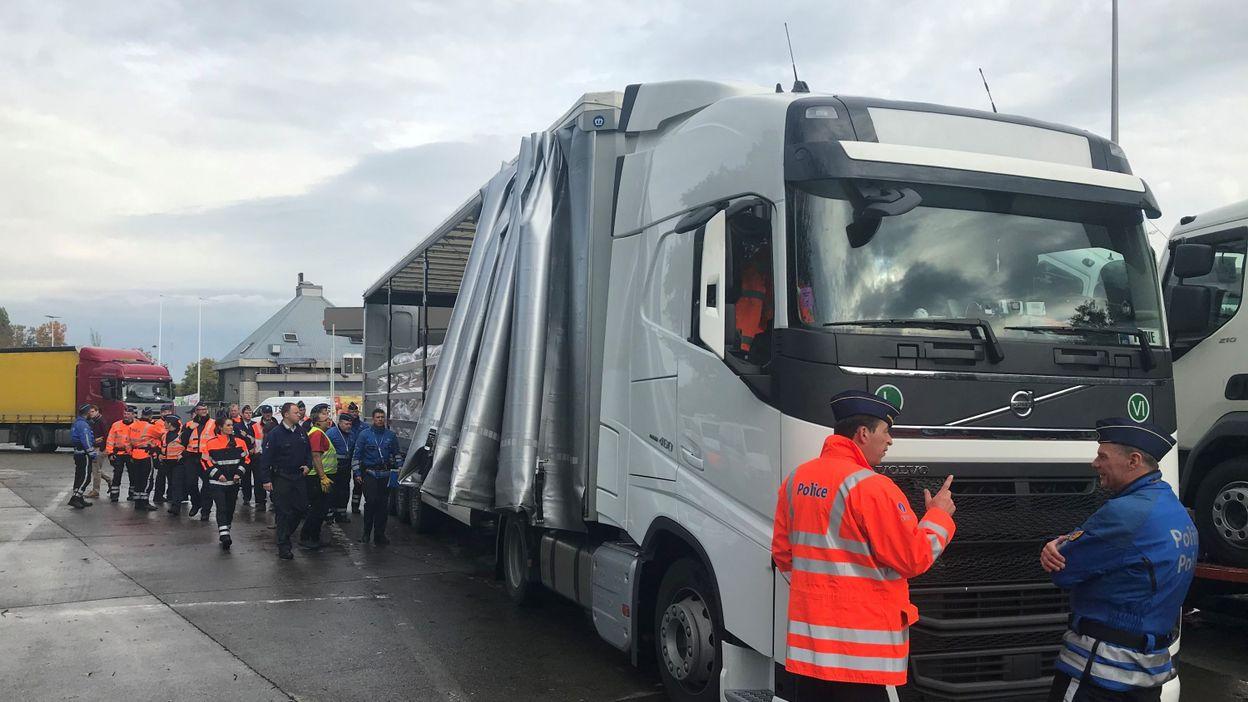 Sécurité routière : action de contrôle des poids lourds et autocars à Wavre