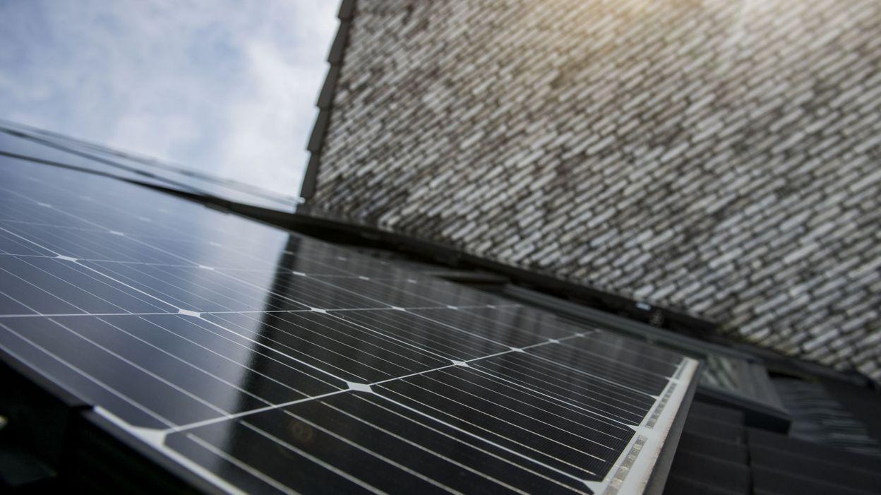 11h51 Le solaire photovoltaïque belge égale désormais la puissance nucléaire - RTBF