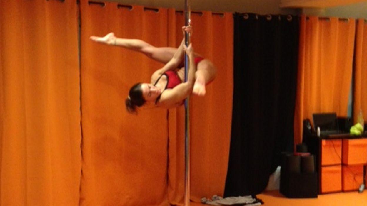 la pole dance sport part enti re tous les muscles sont sollicit s. Black Bedroom Furniture Sets. Home Design Ideas