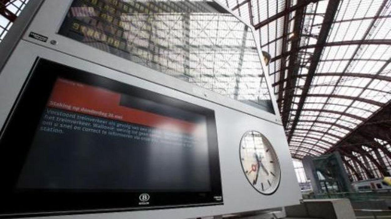 Sncb a l 39 heure de pointe quasi pas de trains en wallonie for Hotel al heure liege