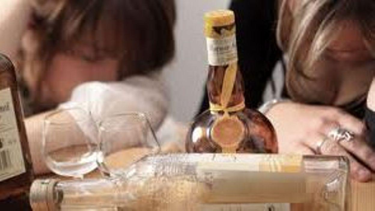 vente d 39 alcool aux mineurs la ville de bruxelles sensibilise l 39 interdiction l 39 approche de. Black Bedroom Furniture Sets. Home Design Ideas