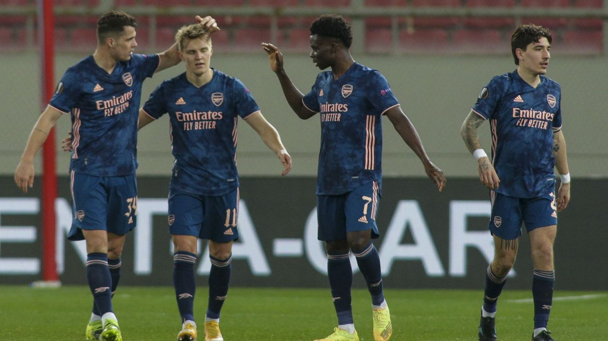 Europa League : Arsenal s'impose largement, Stanciu auteur d'un magnifique but - RTBF