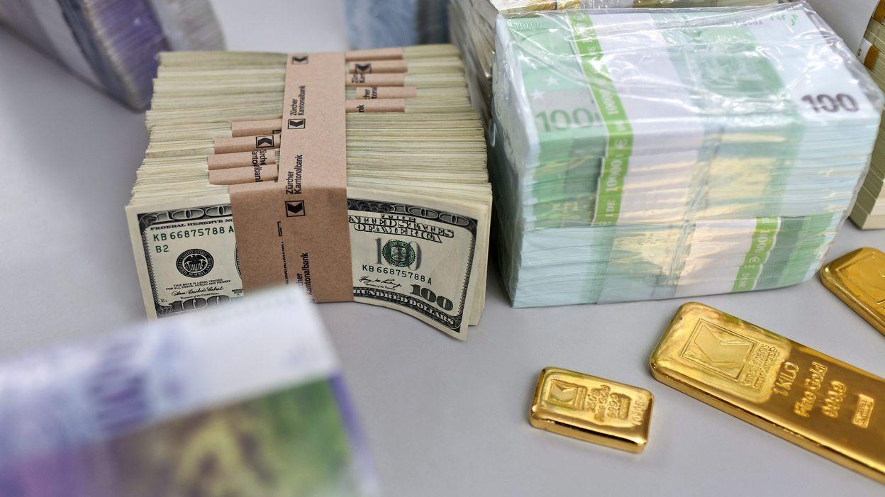 Pr s de 46 millions d 39 euros sur les comptes en d sh rence for Cash piscine 49