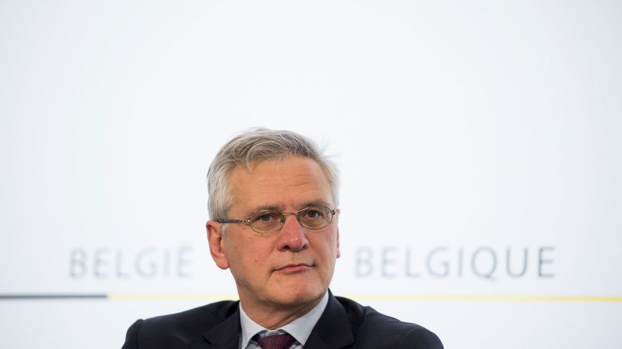 kris peeters veut contrer la fraude au compteur des voitures de seconde main trang res. Black Bedroom Furniture Sets. Home Design Ideas