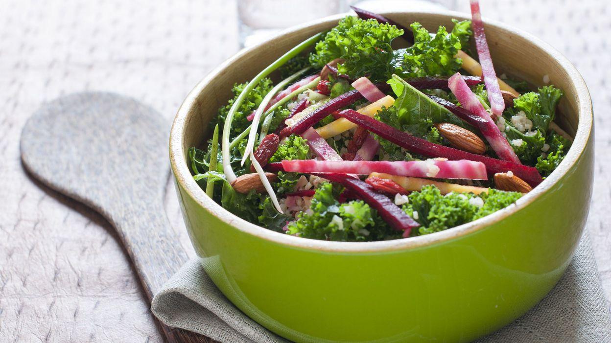 recette salade de chou kale aux graines. Black Bedroom Furniture Sets. Home Design Ideas