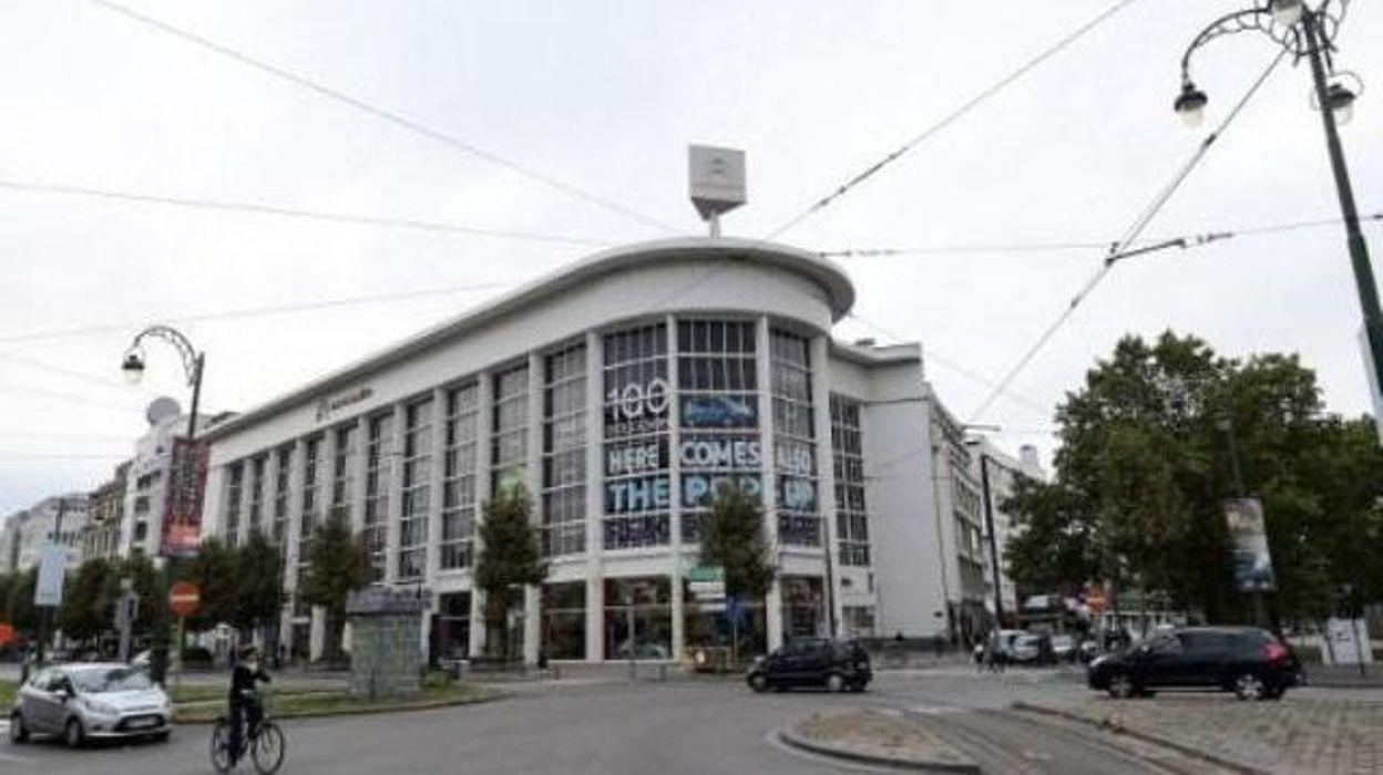 Musée d'art contemporain - Avant d'investir le garage Citroën, l'art bruxellois s'expose dans un aéroport à Berlin