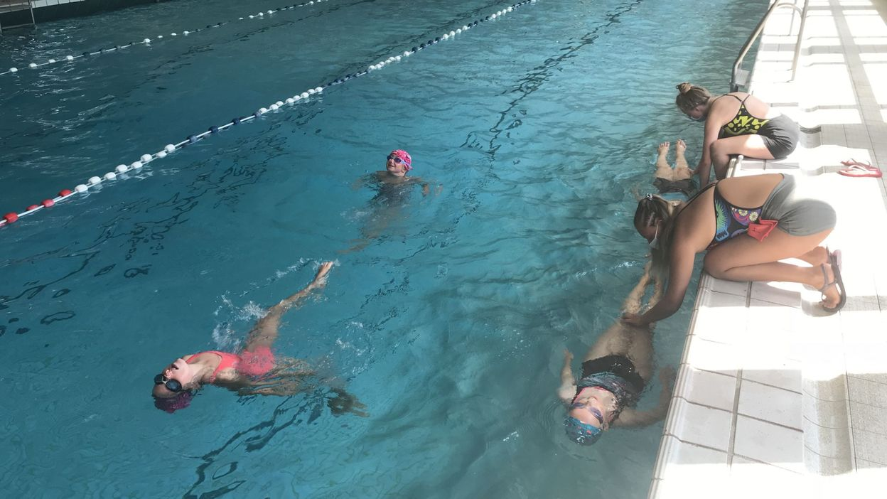 Hannut : un stage d'initiation à la natation synchronisée