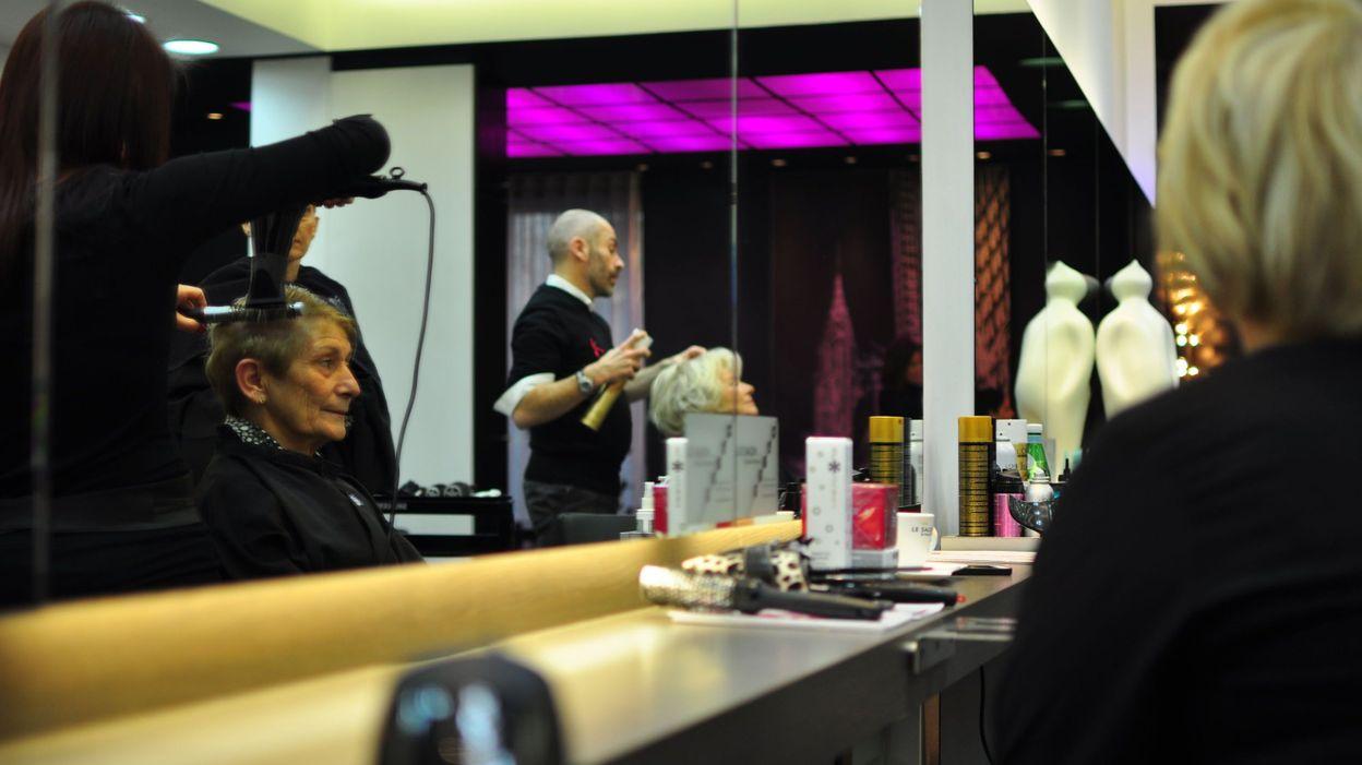 charleroi un salon de coiffure b n vole pour lutter