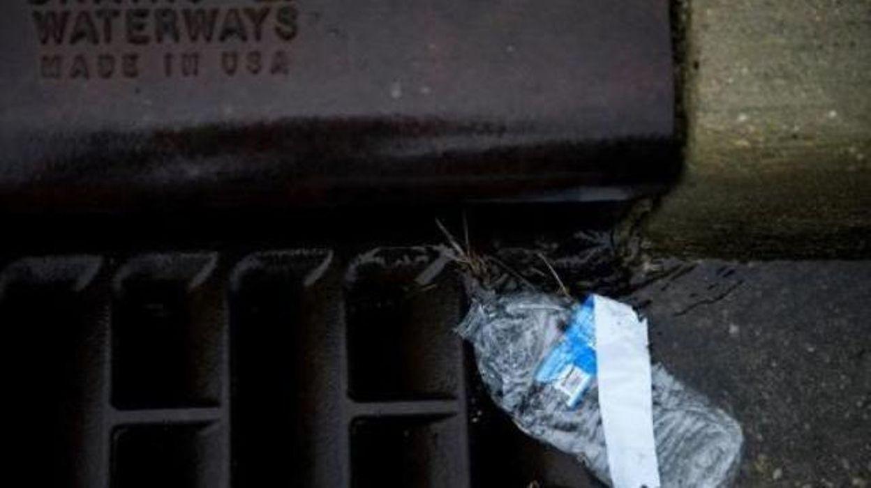 Selon un rapport: les humains ingèrent des dizaines de milliers de particules de plastique par an @RTBFinfo