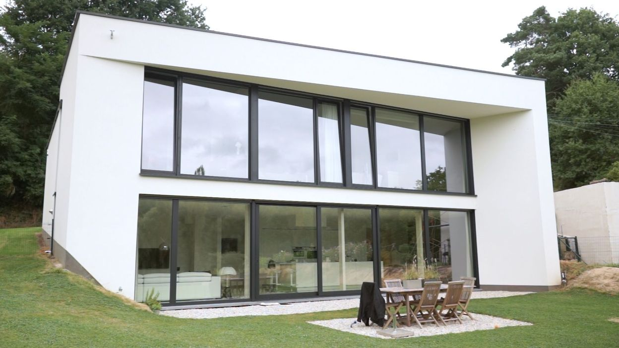 Nouvelle maison contemporaine en brabant wallon rtbf une for Maison moderne en brique