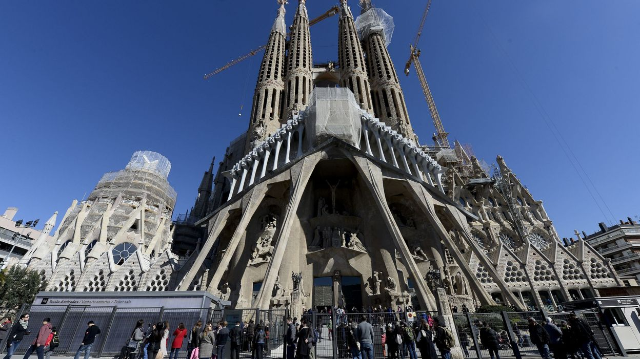 Barcelone La Fin Des Travaux De La Sagrada Familia Relance Les Polémiques
