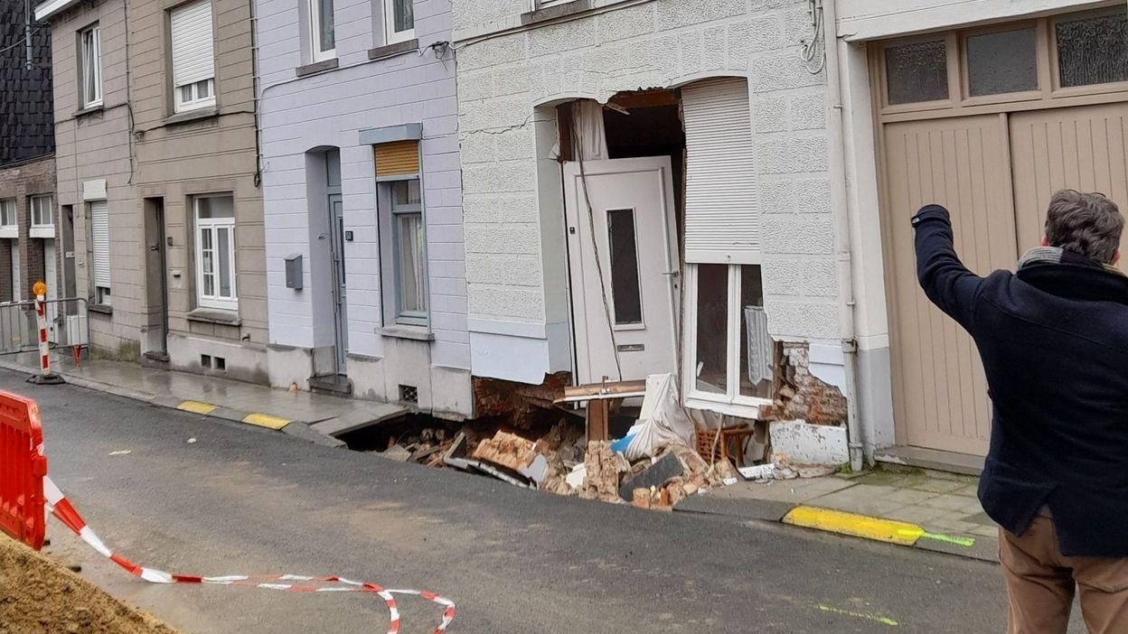 18h16 Lessines: une maison menace de s'effondrer, son sous-sol creusé par les eaux - RTBF