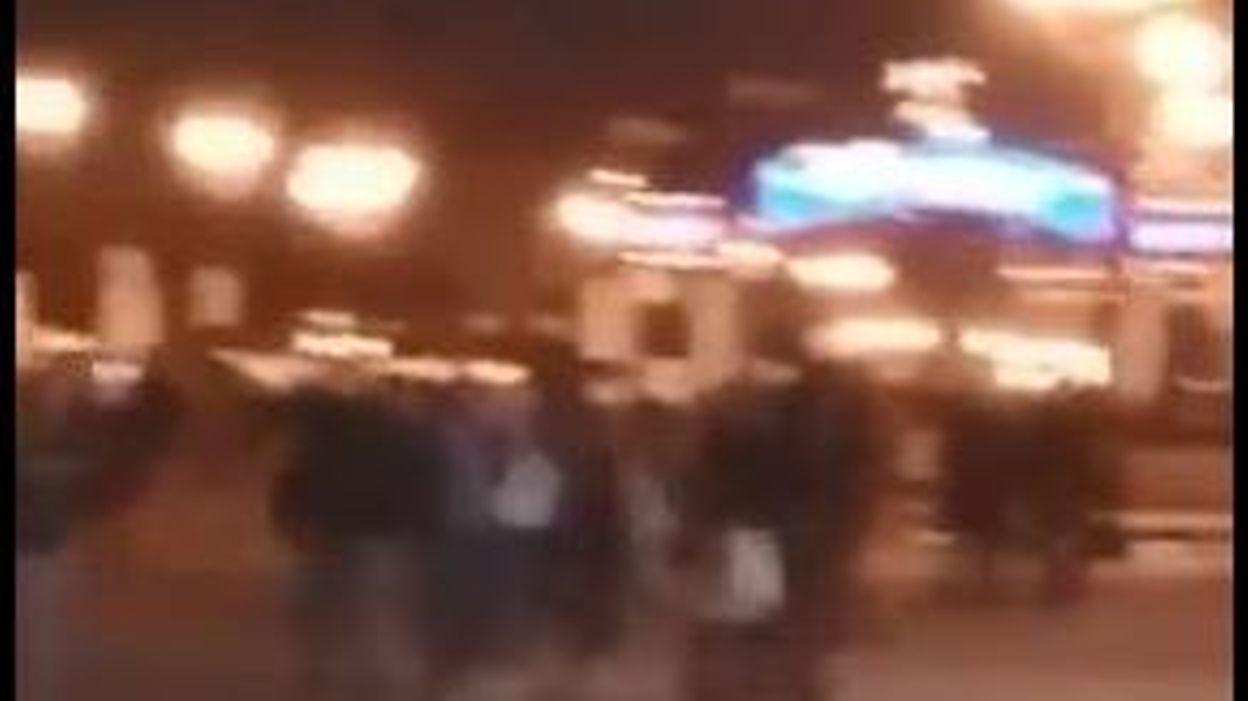 8bc636be940 Mouvement de panique après un bruit suspect à Disneyland Paris (vidéo)