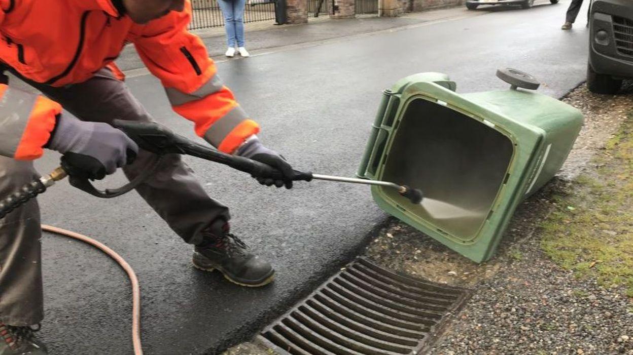 Seraing recma se lance dans le nettoyage des poubelles for Entretien des jardins chez les particuliers