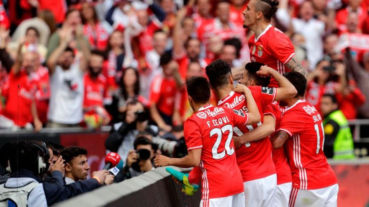 Maillot SL Benfica Svilar