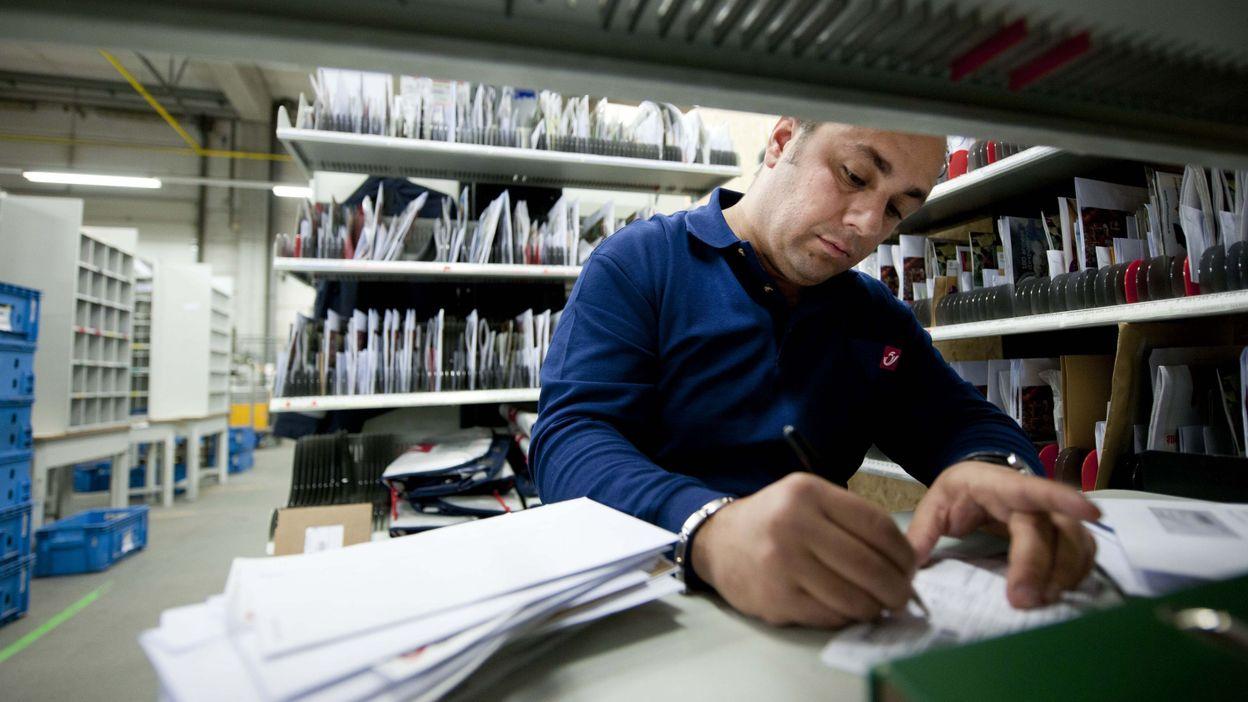 Seule la moiti des bureaux de poste offre un acc s adapt aux personnes handicap es - Bureau de poste belgique ...
