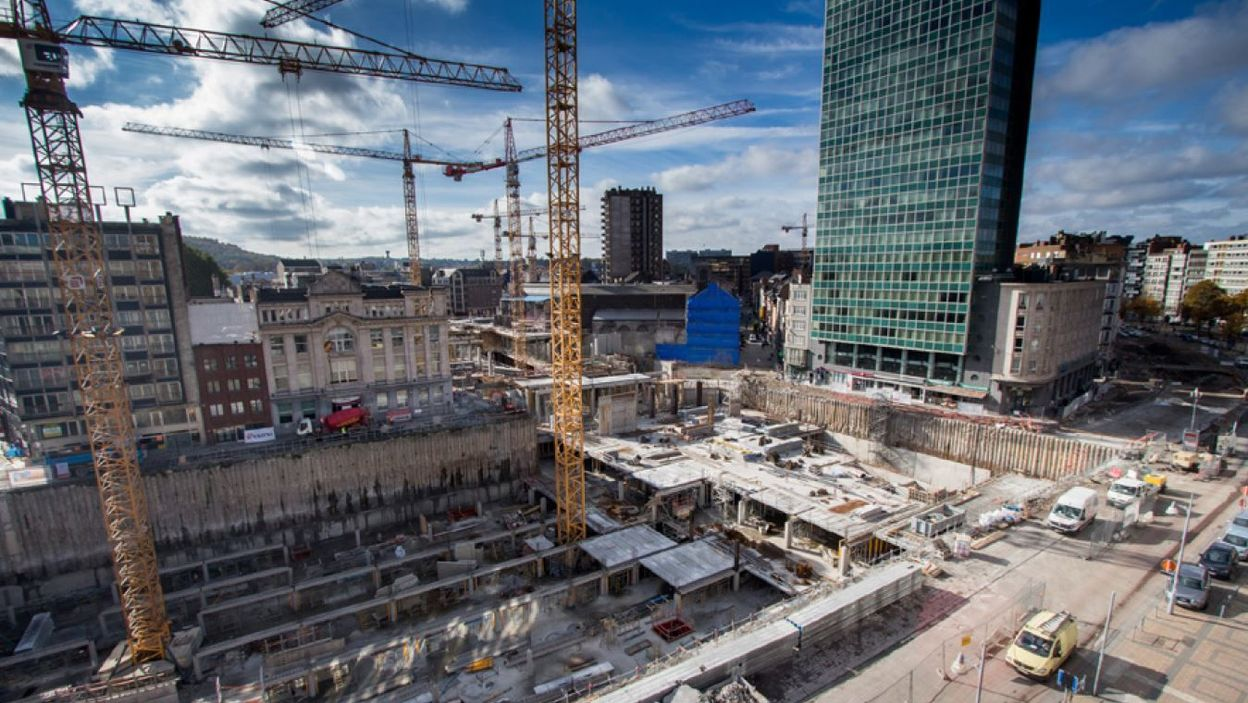 charleroi le chantier du centre commercial rive gauche nouveau l 39 arr t. Black Bedroom Furniture Sets. Home Design Ideas