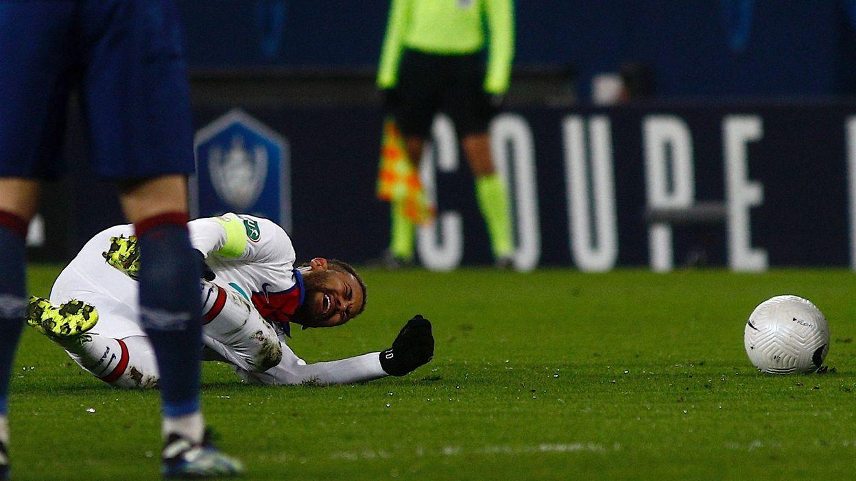 Enervé après une série de fautes, Neymar quitte le terrain... à 6 jours de Barcelone-PSG - RTBF