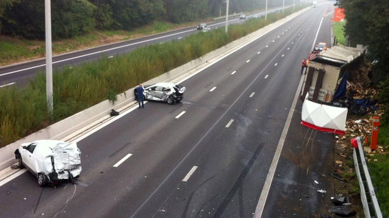 accident mortel sur la e42 daussoulx l 39 autoroute est rouverte. Black Bedroom Furniture Sets. Home Design Ideas