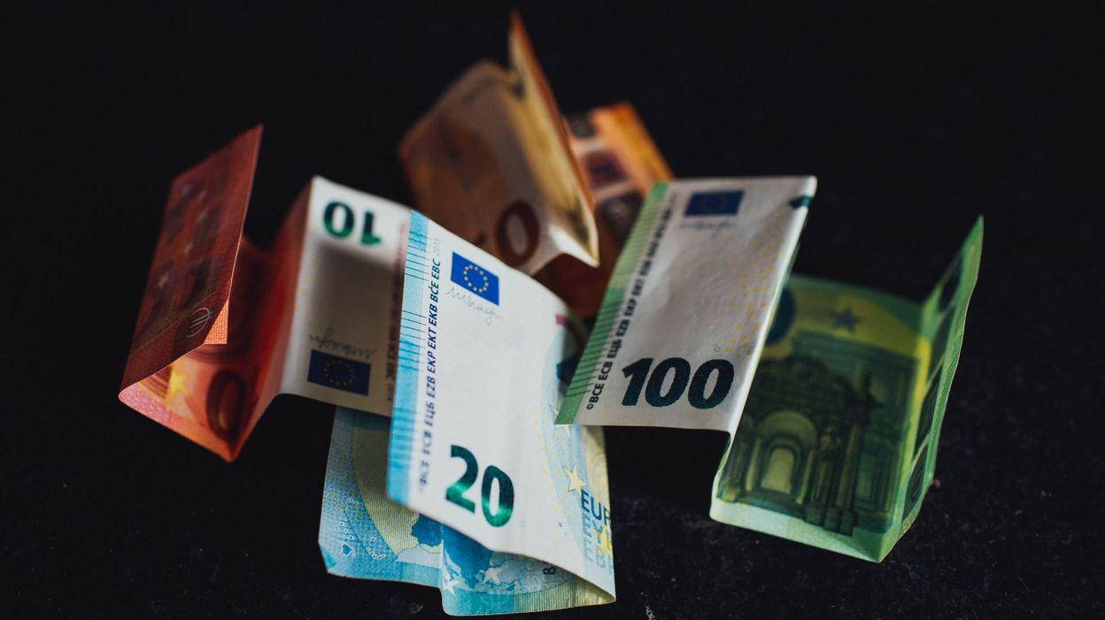 Les Belges ont dépensé 12% de moins en 2020 et la tendance se poursuit, selon une étude d'ING Belgique - RTBF