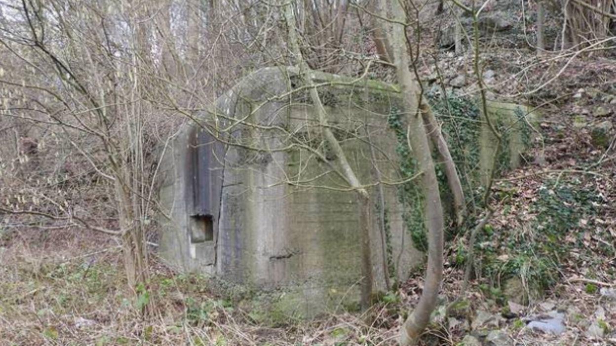 theux un habitant de juslenville vend en ligne un bunker de 1939. Black Bedroom Furniture Sets. Home Design Ideas