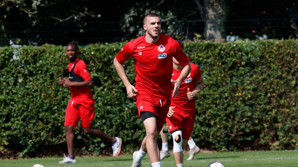 Courtrai prête le défenseur central Nihad Mujakic à Hajduk Split