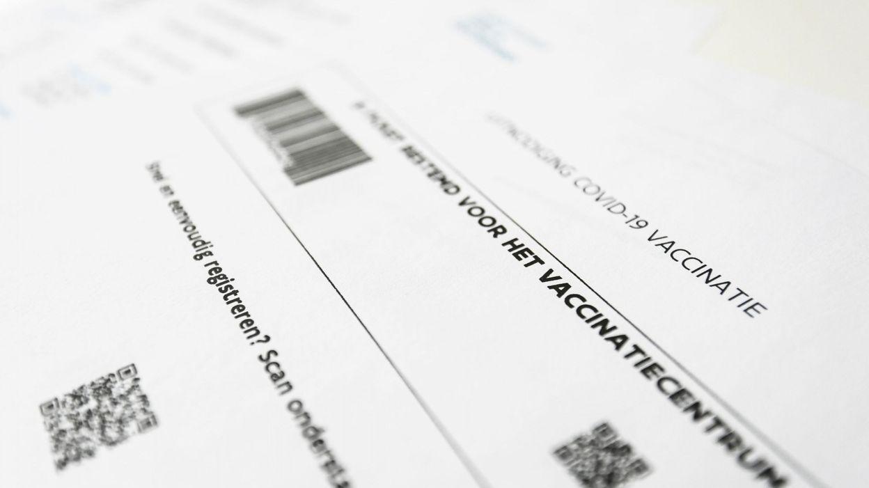 BELGIQUE Vaccin anti-coronavirus : en Wallonie, les convocations arriveront désormais prioritairement en format papier - RTBF