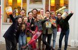 """""""Pride"""": des militants homosexuels viennent en aide à des mineurs en grève"""