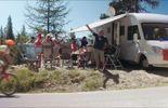 Certains camping-caristes arrivent sur un bord de route parfois plus de 15 jours avant l'étape.