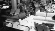 Des clients dans un magasin Habitat en 1973.