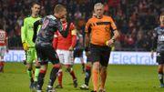 Mouscron porte plainte et réclame l'annulation du match au Standard