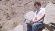 Un cerveau avance tout seul dans le clip joyeusement macabre de Metronomy