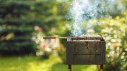 Marre de nettoyer vos grilles de barbecue? Voici notre astuce!