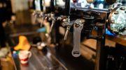 Des cafetiers créent une plateforme de vente en ligne pour vendre leur stock de bière