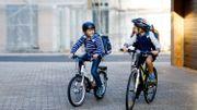 Qu'est-ce qui est mis en place pour inciter les déplacements scolaires à vélo ?