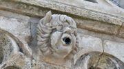 La Rochelle: des gargouilles à l'effigie de Cabu et Wolinski sur la Tour de la Lanterne