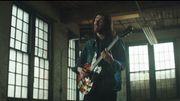 Hozier raconte les racines de sa musique dans le clip de 'Almost (Sweet Music)'
