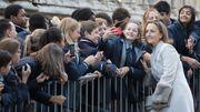 La princesse Claire pose pour des selfies à la sortie du Te Deum à Bruxelles