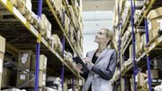 Veepee : les coulisses de l'e-commerceOrdering with digital tablet in warehouse