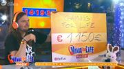 Le chèque à Tarmac : les gamers ont aussi participé à Viva for Life