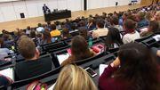 """De Wever à l'université de Gand: """"La naïveté sur les réfugiés"""""""
