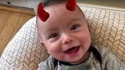 """[Zapping 21] Ce bébé qui chante""""Thunderstruck"""" d'AC/DC fait fondre la toile"""