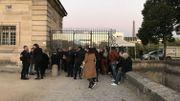 Certains sont arrivés tôt ce vendredi matin pour assister à l'hommage rendu à Charles Aznavour à Paris.
