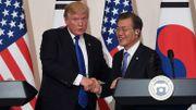 """Donald Trump et Moon Jae-in veulent """"travailler étroitement"""" sur la Corée du Nord"""