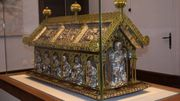 Sarcophage, Tour romane et Collégiale : plongée dans le cœur historique d'Amay