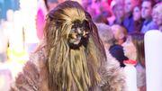 """Carmela se met à poil à l'occasion de la sortie du nouveau """"Star Wars""""!"""