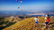Sports de plein air dans les montagnes de l'arrière-pays.