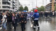 """Marche """"noire"""" : 400 personnes réclament des peines incompressibles pour les crimes commis sur des enfants"""